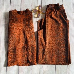 Two piece rust leopard print set women's size med
